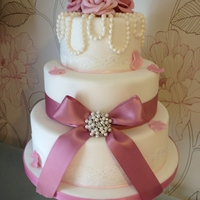 Vintage Pearl & Rose Wedding Cake