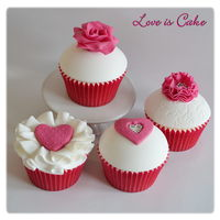 Pink And White Valentines Day Cupcakes By Loveiscakecouk   Pink and white valentine's day cupcakes by loveiscake.co.uk