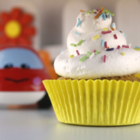 Kids Break Funfetti Cupcakes By Cupcakes Garden
