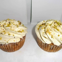Pistachio Mastic Cupcakes Pistachio Cupcakes with Pistachio-Mastic Frosting Pistachio-Mastic is a traditional Middle-Eastern flavor for ice cream & sweets. I...