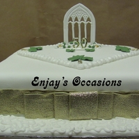 Shamrock Cake This is a 12ins fruit cake, made for a nun celebrating her 50th year of becoming a nun. She wanted an Irish theme, green,gold and white and...