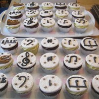 Musical Note/french Horn Cupcakes (Vanilla And Chocolate) Musical Note/French horn cupcakes (vanilla and Chocolate)