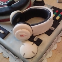 Dj Young Chow Turntable Cake