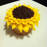 Sunflower Cupcake   Vanilla Sunflower Cupcake.