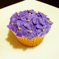 Hydrangea Cupcake   Hydrangea Cupcake I piped with purple and yellow buttercream.