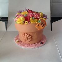 Flower Pot Cake Made this cake at last minute, 1st time at making flowers.