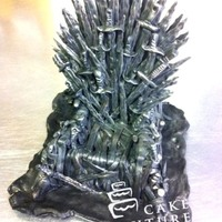 Game Of Thrones Fondant topper for a theme Game Thrones tiered cake... Love the details! I hope you like it!