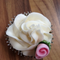 Rose Cup Cake