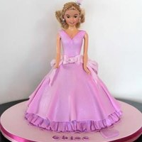 Dolly Varden Cake What wee girl doesn't want a pretty princess doll cake!