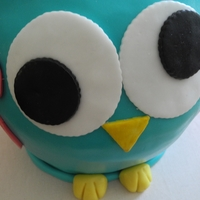 Cute 3D Owl Birthday Cake cute 3D Owl Birthday Cake filled with white chocolate and strawberries