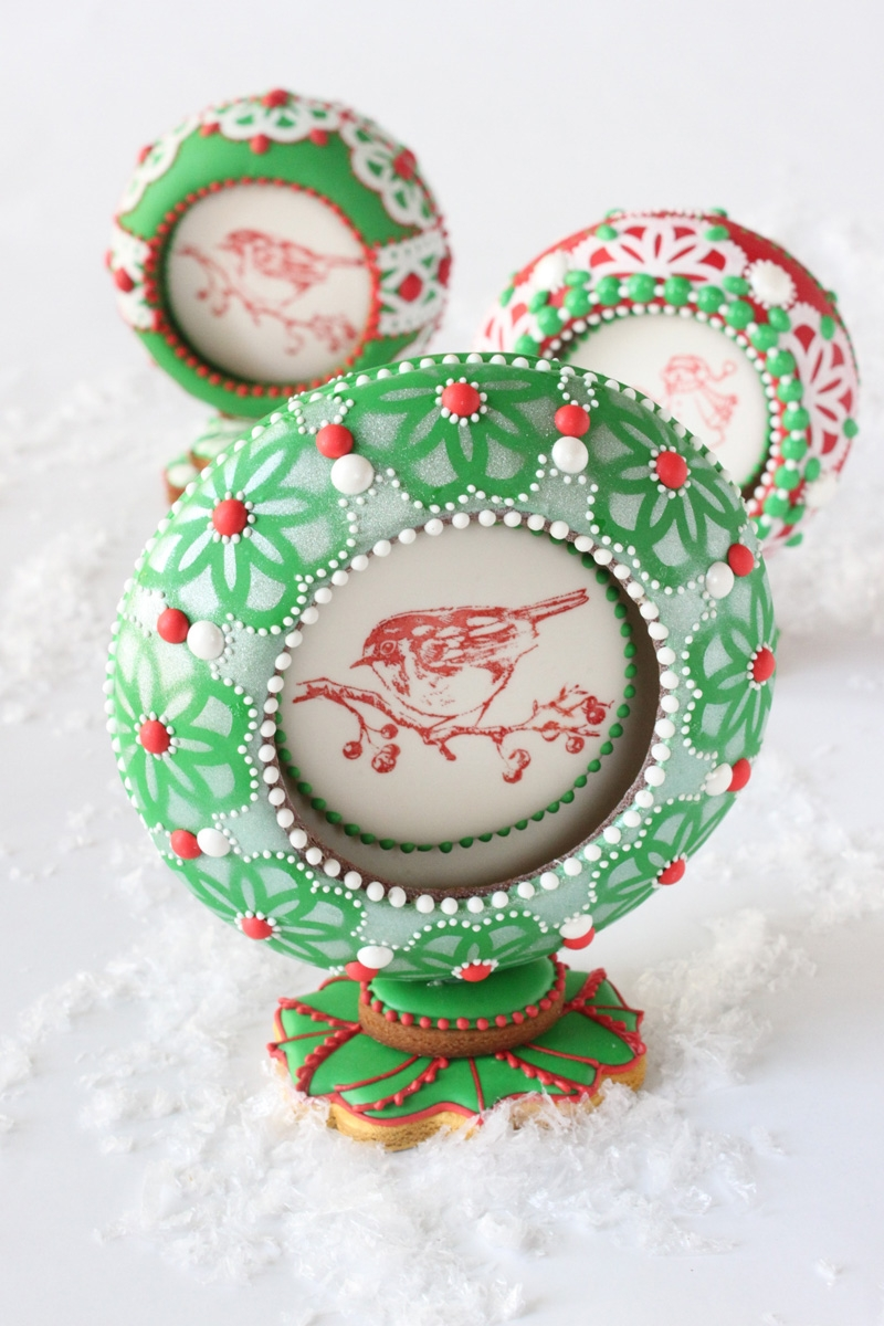3-D Christmas Snow Globe Cookies By Julia M Usher Pretty much all cookie and royal icing. Happy holidays!