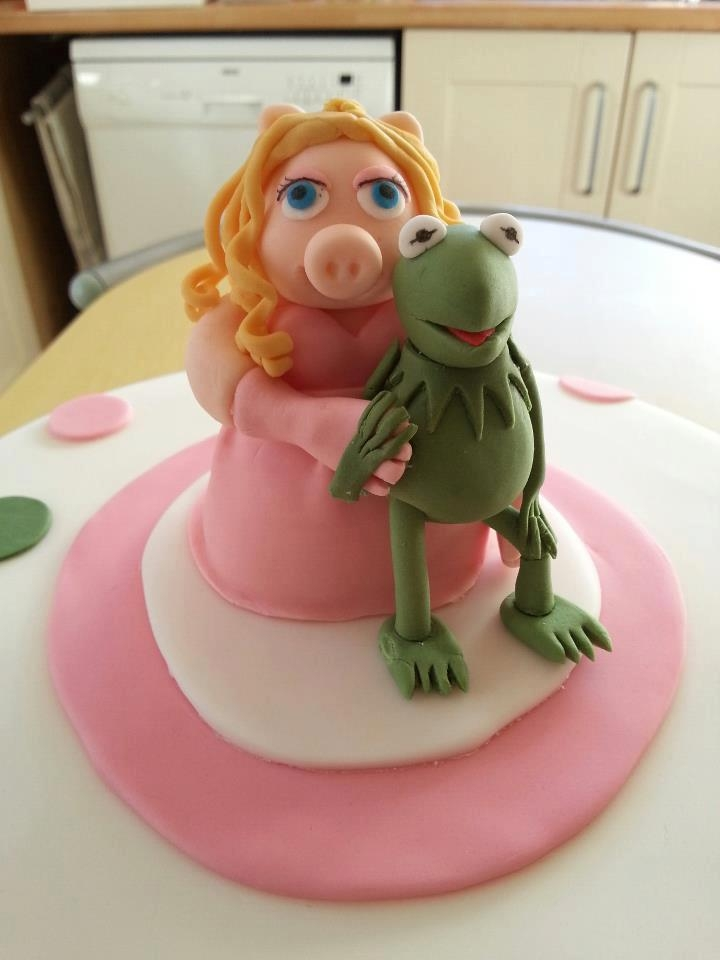Kermit And Miss Piggy Cake Kermit and Miss Piggy Cake