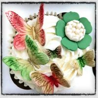 Butterfly And Flower Garden Cupcakes