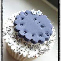 Purple Flower Ombre Cupcakes & Silver Cupcakes / Eid Cupcakes