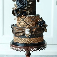 Victorian Gothic Wedding Cake I made this cake for a friend of mine who had a stand on a Dutch cake event a few weeks ago. She makes her own beautiful molds and I used...