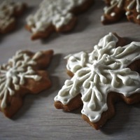 Snowflake Gingerbread Cookies   Snowflake Gingerbread cookies