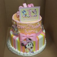 1St Birthday Minnie 1st birthday minnie mouse cake!