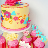 Pretty Flowers Girls Themed Cake And Cupcakes   Pretty Flowers Girls Themed Cake and Cupcakes