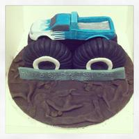 Monster Truck Cake   *front view of the monster truck