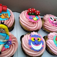 Alice In Wonderland Cupcakes *