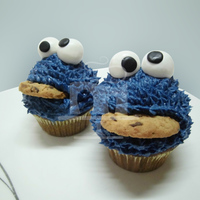 Just Some Cupcakes   the loved by everyone, Cookie Monster =D