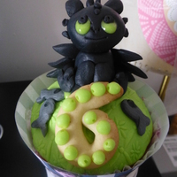 Toothless Big Cupcake Toothless big cupcake