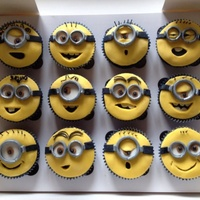 Minions Chocolate-cupcakes with Chocolate-cream-filling and fondant-topping