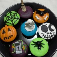 Halloween Themed Cupcakes *Halloween themed cupcakes