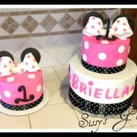 Hot Pink Minnie Mouse Cake And Smash Cake!