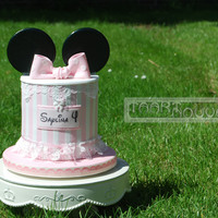 Minnie Mouse Double Barrel With Lace This is a cake I made for a very sweet little girl who just loves Minnie Mouse and pink...