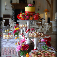 Sweet Table In English Summer Garden Theme