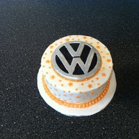 Plain Vw Logo Cake By Kitticakes
