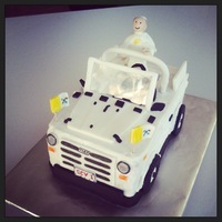 Popemobile Cake   Saint Pope John Paul II riding in the Popemobile