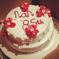'red Rose And Pearl' Birthday Cake