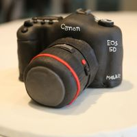 Canon 5D Mk Ii Camera Cake Made With Marshmallow Fondant Canon 5D mk II camera cake made with marshmallow fondant