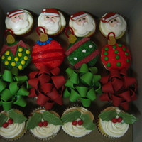 Christmas Cupcakes For My Moms Office The Santas Were Inspired By Ones I Saw Here Httpwwwflickrcomphotosbakerella2075760559 An Christmas cupcakes for my mom's office. The Santa's were inspired by ones I saw here ( http://www.flickr.com/photos/bakerella/...