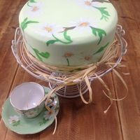 Handpainted Daisy Cake   Handpainted daisies inspired by a vintage teaset