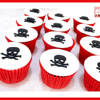Skull & Bone Pirate Cupcakes