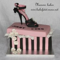 Jimmy Choo Cake Shoe made of marzipan, and the shoebox of Chocolatecake cover With marzipan