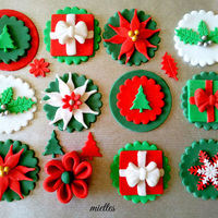 Traditional Christmas Cupcake Toppers