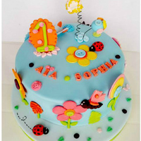 Floral & Buttons Cake   *