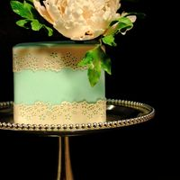 Mint & Pink Peony Cake I love classic close peonies and matching colors to create a different look for my own cakes. This pair work of mint fondant cover and the...
