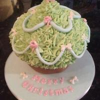 Christmas Tree Inspired Giant Cupcake Christmas tree inspired giant cupcake