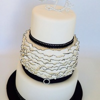 Black, White, Diamonds And Ruffles Xxxx