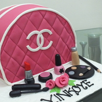 Make Up Purse Cake Make-up purse cake.