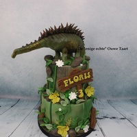 Dinosaur Agustinia Cake For A 3 Year Old Child. dinosaur Agustinia cake for a 3 year old child.