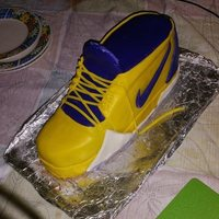 Kobe Vii Cake A little present for my brother who like sneakers a lot. This is a version of the Kobe Vii. Hope you like it.