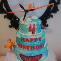 Planes Theme Birthday Cake I Started To Make Topper But At The End Bought Toy Topper And Small Planes On The Lower Part Of The Cake And One... Planes Theme Birthday cake I started to make topper but at the end bought toy topper and small planes on the lower part of the cake and one...