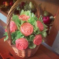 Cupcake Bouquet Rose Basket cupcake bouquet rose basket