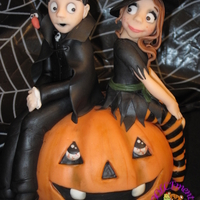 Married On Halloween topper made ​​for a wedding that took place on the evening of Halloween